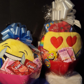 CUSTOMIZE  VALENTINE  EMOJI  BASKET